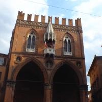 Piazza Mercanzia 2 - Roberta Milani - Bologna (BO)
