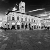 - Piazza Maggiore - - Vanni Lazzari - Bologna (BO)