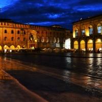 Piazza Maggiore in notturna - Francescatuoto - Bologna (BO)