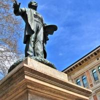 BO - Piazza Minghetti con il Monumento Minghetti (2) - EvelinaRibarova - Bologna (BO)