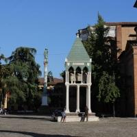 Tomba piazza San Domenico - LunaLinda - Bologna (BO)