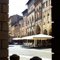 Piazza Santo Stefano 2 - Roberta Milani - Bologna (BO)