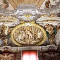 Domenico Maria Canuti, salone di palazzo pepoli campogrande con apoteosi di ercole, quadrature del mengazzino, xvii sec. 32 - Sailko - Bologna (BO)