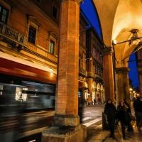La vita quotidiana di Bologna, scorre sotto i portici - Angelo nacchio - Bologna (BO)