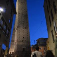 Torri vistedi notte - Letizia Querci, Alfredo Di Maria - Bologna (BO)