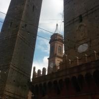 Le due torri Asinelli e Garisenda - Ilariaconte - Bologna (BO)