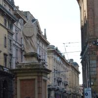 Statua di San Petronio sotto le torri 2 - Alfredo Di Maria - Bologna (BO)