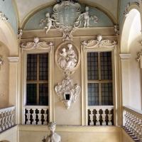 Imola, palazzo tozzoni, scalone con statue in stucco di francesco janssens, 1735 ca. 05 - Sailko - Imola (BO)
