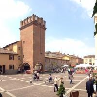 Panoramica Piazza con Torresotto Caliceti - FabioSchiavina - San Giorgio di Piano (BO)