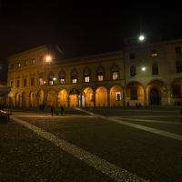 Casa Isolani notturno - Wwikiwalter - Bologna (BO)