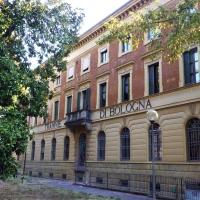 L'edifico centrale dell'ex magazzino ATC di Bologna - Bolorsi - Bologna (BO)