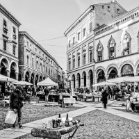 Piazza Santo Stefano - Mercatino - Vanni Lazzari - Bologna (BO)