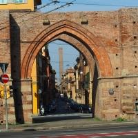 Porta Maggiore con vista sulla Torre degli Asinelli - MarkPagl - Bologna (BO)