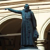 Statua di Ugo Bassi tra i portici - MarkPagl - Bologna (BO)
