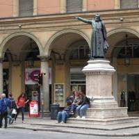 immagine da Statua di Ugo Bassi