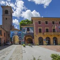 Dozza piazza Zotti e campanile - Wwikiwalter - Dozza (BO)