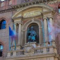 Bandiere al vento a Palazzo d'Accursio - Maurizio rosaspina - Bologna (BO)