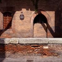 Portico Palazzo Grassi, particolare - Bologna 01 - Nicola Quirico - Bologna (BO)