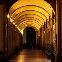 Portici di via Farini in piazza Minghetti - Maddalena Osnato - Bologna (BO)