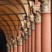 Capitelli portico Piazza Santo Stefano - AlessandraLuna - Bologna (BO)