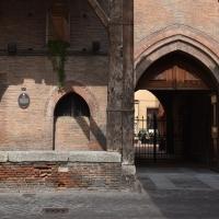 Portico Palazzo Grassi, particolare - Bologna - Nicola Quirico - Bologna (BO)