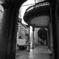Bologna - Vista dai Portici di Via Indipendenza - Sansavini Loredana - Bologna (BO)