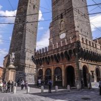 La vita sotto le due torri - Luca Nacchio - Bologna (BO)