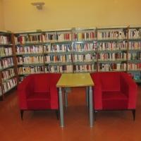 Biblioteca Comunale - dettaglio sala libri - Maurolattuga - Imola (BO)