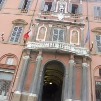 Palazzo Comunale - dettaglio ingresso - MauroLattuga - Imola (BO)