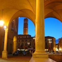 Il Palazzo Comunale, vista notturna dal chiostro di San Mercuriale - Andrea savorelli - Forlì (FC)