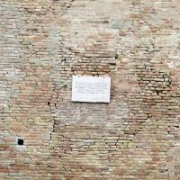 Cesena, rocca malatestiana, fossato, mura, lapide di renato seppa (rotta dal terremoto del 2012) - Sailko - Cesena (FC)