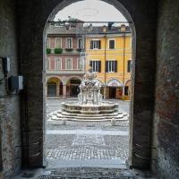 Fontana Masini dalla scalinata del palazzo del Comune - Soniatiger - Cesena (FC)