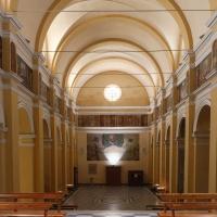 Veduta interna dall'altare verso l'uscita - Boschetti marco 65 - Cesena (FC)