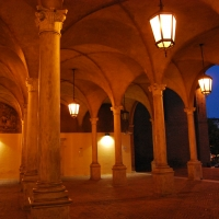 Architetture del chiostro di San Mercuriale illuminate - Chiari86 - Forlì (FC)