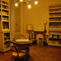 La stanza della biblioteca, all'interno di Villa Saffi - Chiari86 - Forlì (FC)