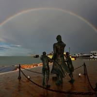 """Piazza spose dei marinai con il monumento alla """"Ma"""" - Masarot - Cesenatico (FC)"""