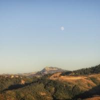 Panorama dalla sorgente Rubicone verso San Marino - Boschetti Marco 65 - Savignano sul Rubicone (FC)