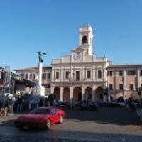 Auto d'epoca di fronte al Palazzo Comunale di Savignano sul Rubicone - GiuseppeAroma - Savignano sul Rubicone (FC)