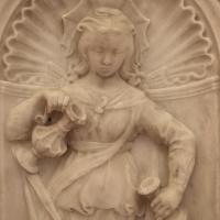 Antonio rossellino, sarcofago del beato marcolino amanni, 1458, da s. giacomo in s. domenico a forlì, virtù, temperanza 03 - Sailko - Forlì (FC)