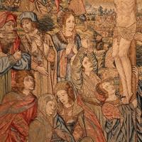 Manifattura fiamminga, arazzo con crocifissone ed episodi della passione, da s, agostino a forlì, 1511-25, 02 - Sailko - Forlì (FC)
