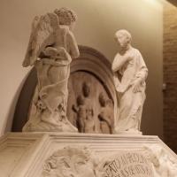 Antonio rossellino, sarcofago del beato marcolino amanni, 1458, da s. giacomo in s. domenico a forlì, 07 - Sailko - Forlì (FC)