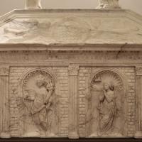 Antonio rossellino, sarcofago del beato marcolino amanni, 1458, da s. giacomo in s. domenico a forlì, virtù, 01 - Sailko - Forlì (FC)
