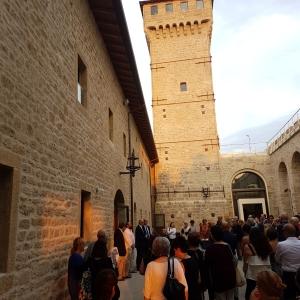 Rocca delle Caminate - Cortile e Torre del faro foto di: |fatta da noi| - Ser.In.Ar.