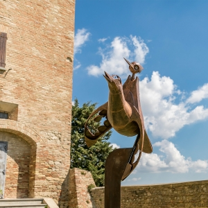 Rocca Vescovile di Bertinoro - Francesco Bombardi, Volare volando (Pinocchio), ferro battuto, 2010 foto di: |Marco Canconelli| - Centro Residenziale Universitario di Bertinoro