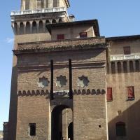 """Castello Estense (torre di S. Paolo) durante """"autostoriche in CentroStorico"""" 2010 - Tommaso Trombetta - Ferrara (FE)"""