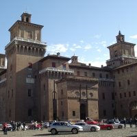 """Castello Estense durante """"autostoriche in centrostorico"""" 2010 - Tommaso Trombetta - Ferrara (FE)"""