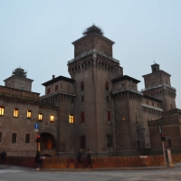 Il castello estense a Ferrara - Paperkat - Ferrara (FE)