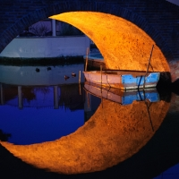 Riflessi sotto il ponte del Carmine nell'ora blu - Vanni Lazzari - Comacchio (FE)