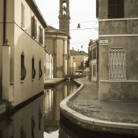 Chiesa di comacchio con riflesso nel canale - Danno1976 - Comacchio (FE)