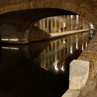 Riflessi notturni sotto il ponte degli sbirri - Comacchio - Vanni Lazzari - Comacchio (FE)